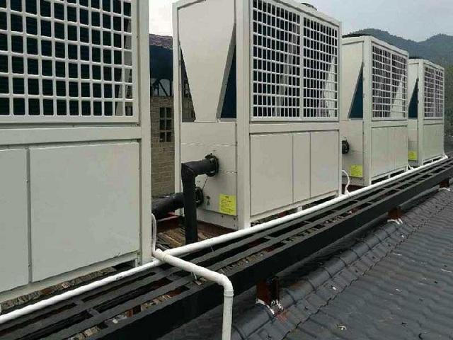 Hệ thống nước nóng trung tâm heatpump hoạt động với cơ chế đơn giản