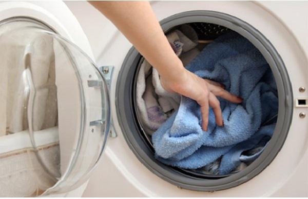 Nguyên nhân và cách khắc phục lỗi C04 máy giặt Hitachi