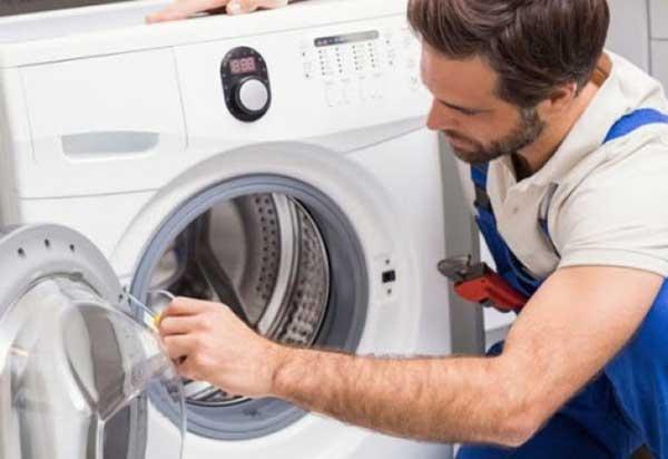 Một sự cố thường gặp khiến bạn phải tìm đến dịch vụ sửa chữa máy giặt nội địa Nhật Bản