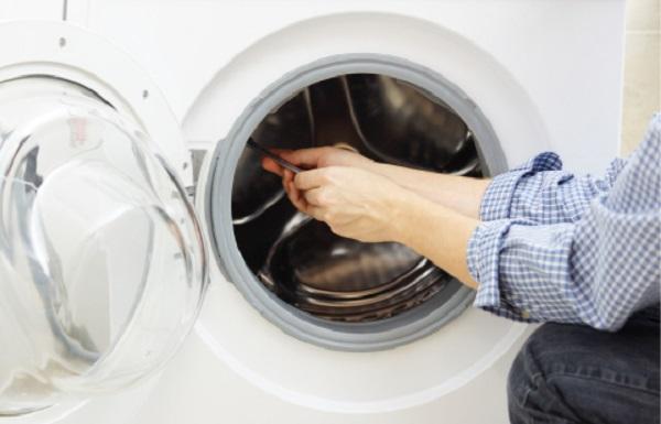 Lỗi mạch điều khiển trung tâm cũng khiến Máy giặt Electrolux đang giặt bị dừng