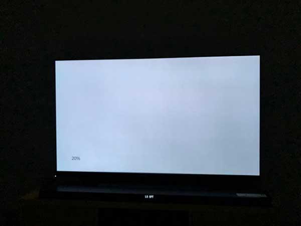 Tivi Samsung không có hình, xuất hiện màn hình trắng sáng