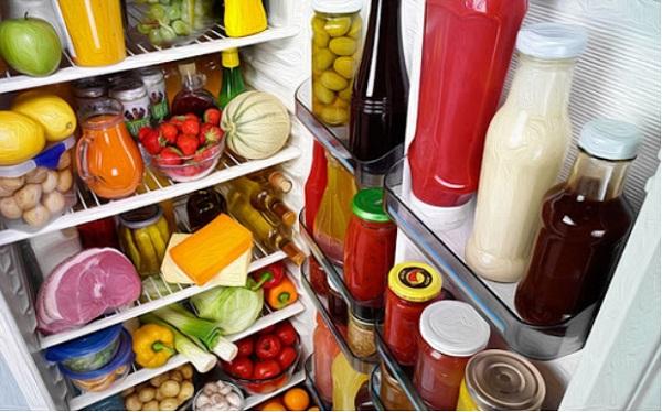 Cửa đóng mở tủ lạnh bị hở hoặc hỏng gioăng cao su đệm cửa