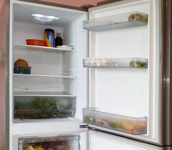 Không để quá ít thực phẩm bên trong tủ lạnh