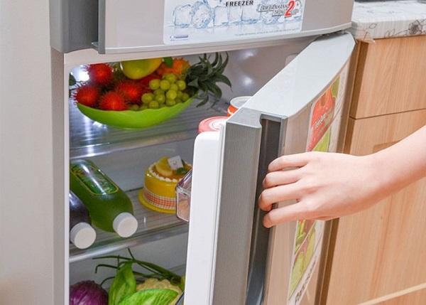 Hạn chế đóng mở cửa tủ lạnh