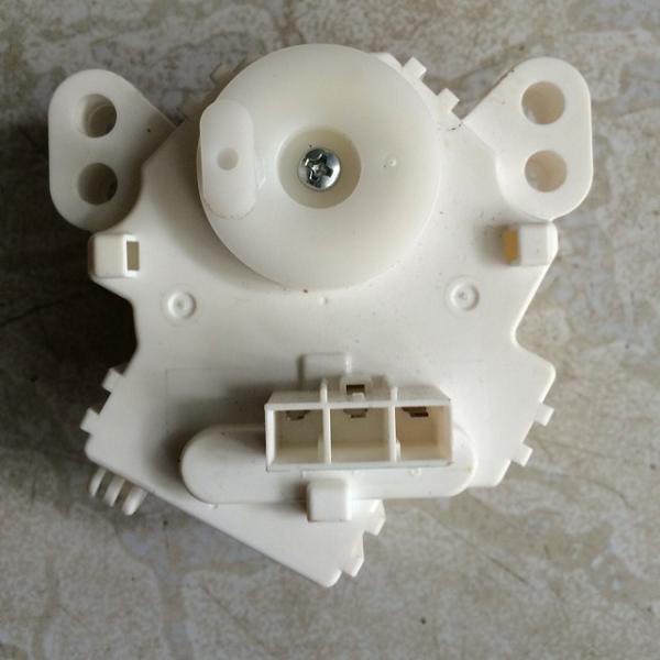 Bơm xả bị kẹt cũng là nguyên nhân khiến máy giặt Toshibakhông vắt